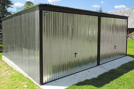 Blaszaki podwójne jednospadowe z bramą uchylną
